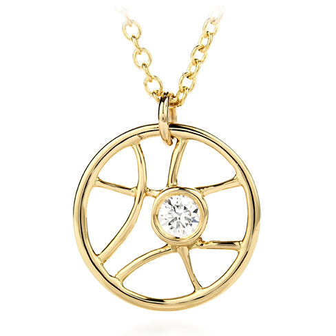 Brocade Single Diamond Circle Pendant