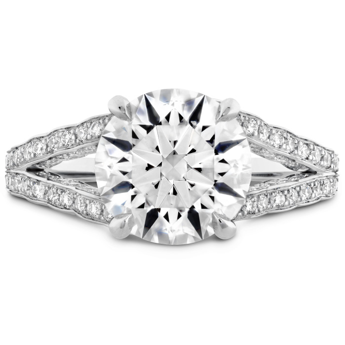 The Bel Fiore Ring in Platinum