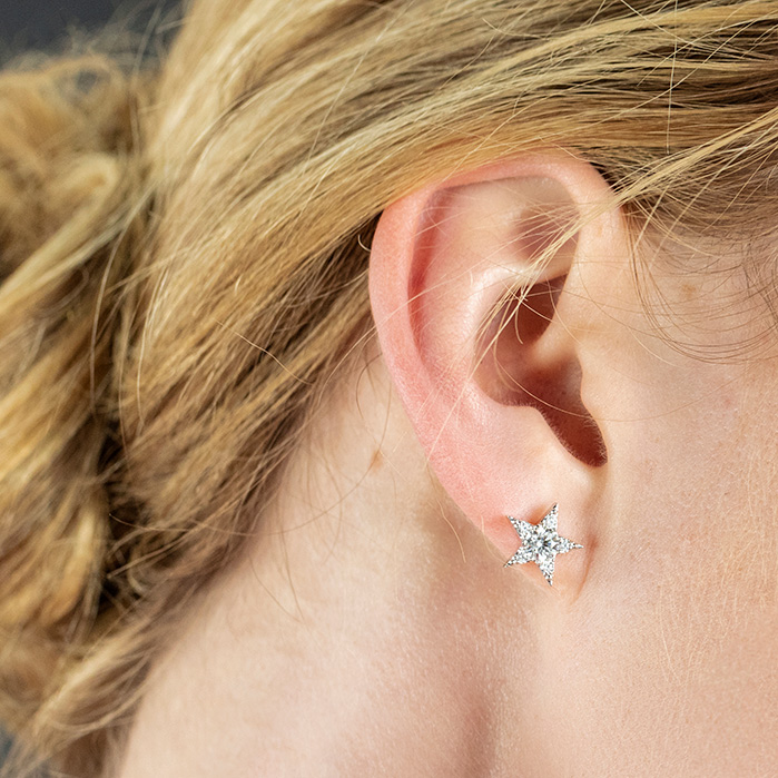 Illa Cluster Stud Earrings